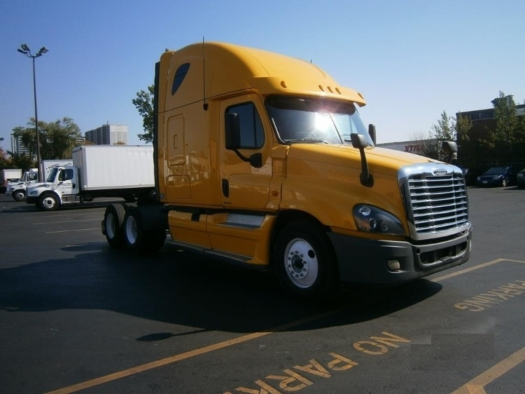 Sleeper Tractor-Heavy Duty Tractors-Freightliner-2012-Cascadia 12564ST-SCARBOROUGH-ON-736,733 km-$39,250