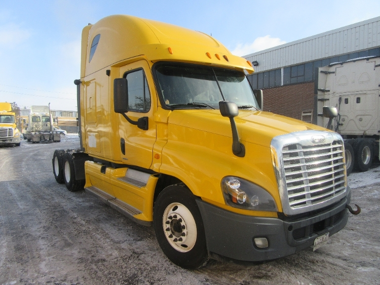 Sleeper Tractor-Heavy Duty Tractors-Freightliner-2012-Cascadia 12564ST-CONCORD-ON-757,656 km-$45,250