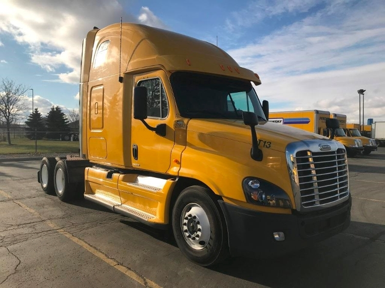 Sleeper Tractor-Heavy Duty Tractors-Freightliner-2012-Cascadia 12564ST-MISSISSAUGA-ON-756,333 km-$41,250