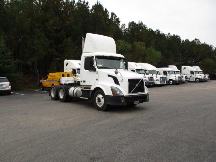 Day Cab Tractor-Heavy Duty Tractors-Volvo-2012-VNL64T300-PELL CITY-AL-522,044 miles-$27,000