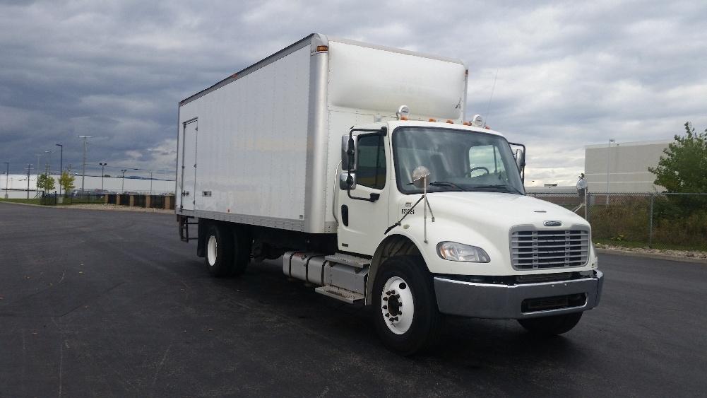 Medium Duty Box Truck-Light and Medium Duty Trucks-Freightliner-2012-M2-STE-FOY-PQ-254,014 km-$43,500
