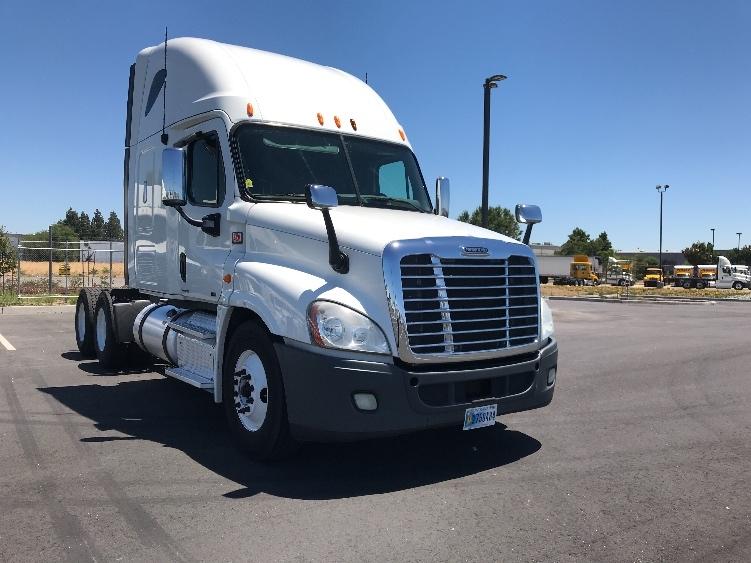 Sleeper Tractor-Heavy Duty Tractors-Freightliner-2012-Cascadia 12564ST-WEST SACRAMENTO-CA-437,631 miles-$39,250