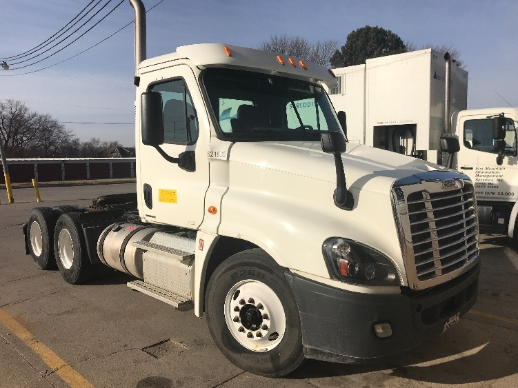 Day Cab Tractor-Heavy Duty Tractors-Freightliner-2012-Cascadia 12564ST-DES MOINES-IA-334,496 miles-$41,250