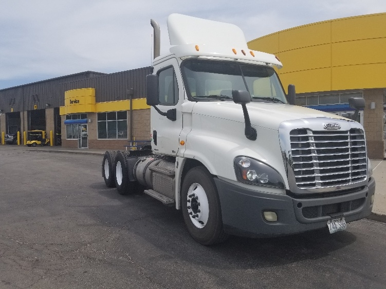 Day Cab Tractor-Heavy Duty Tractors-Freightliner-2012-Cascadia 12564ST-KANSAS CITY-MO-432,085 miles-$38,500