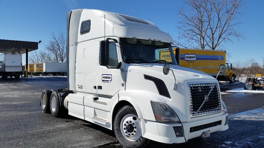 Sleeper Tractor-Heavy Duty Tractors-Volvo-2012-VNL64T670-HOMEWOOD-AL-451,676 miles-$34,500