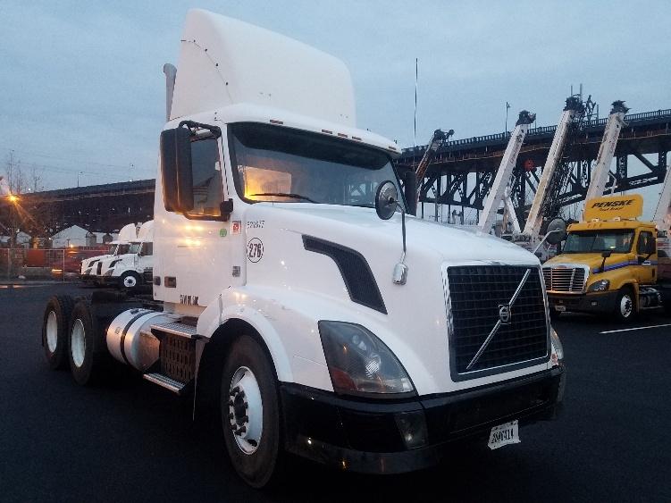 Day Cab Tractor-Heavy Duty Tractors-Volvo-2012-VNL64T300-SOUTH KEARNY-NJ-195,556 miles-$36,250