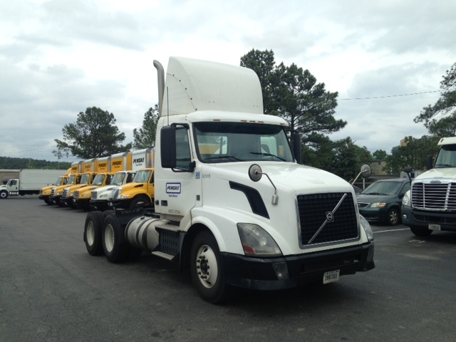 Day Cab Tractor-Heavy Duty Tractors-Volvo-2012-VNL64T300-MEBANE-NC-375,321 miles-$29,000