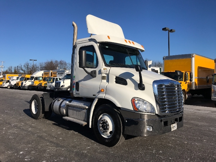 Day Cab Tractor-Heavy Duty Tractors-Freightliner-2012-Cascadia 11342ST-PARSIPPANY-NJ-259,527 miles-$35,250