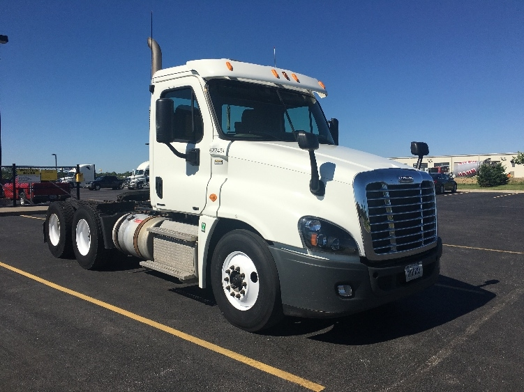 Day Cab Tractor-Heavy Duty Tractors-Freightliner-2012-Cascadia 12564ST-WEST CHICAGO-IL-336,027 miles-$37,000