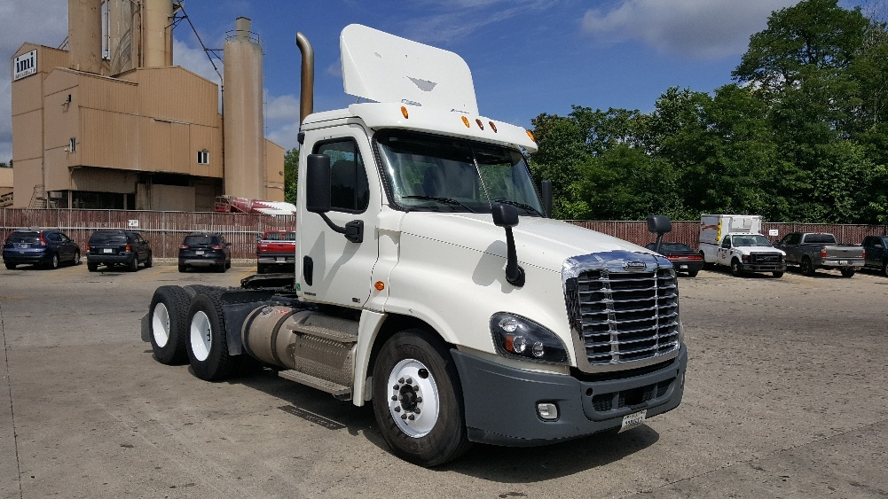 Day Cab Tractor-Heavy Duty Tractors-Freightliner-2012-Cascadia 12564ST-INDIANAPOLIS-IN-503,413 miles-$14,000