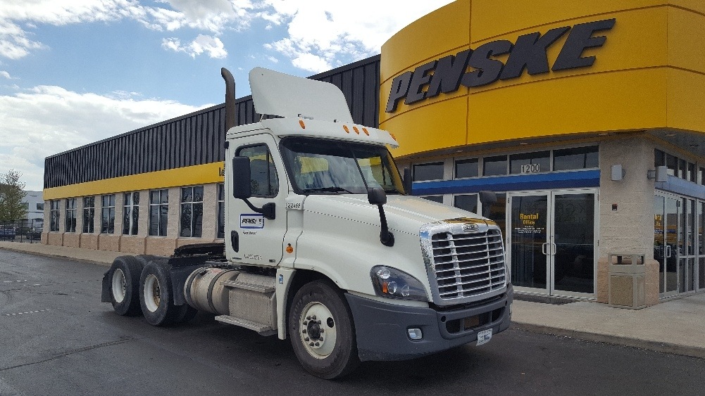 Day Cab Tractor-Heavy Duty Tractors-Freightliner-2012-Cascadia 12564ST-ROCKFORD-IL-514,296 miles-$30,750