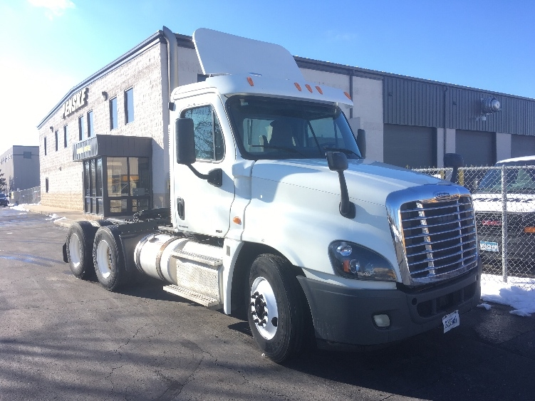 Day Cab Tractor-Heavy Duty Tractors-Freightliner-2012-Cascadia 12564ST-EAGAN-MN-319,637 miles-$39,000