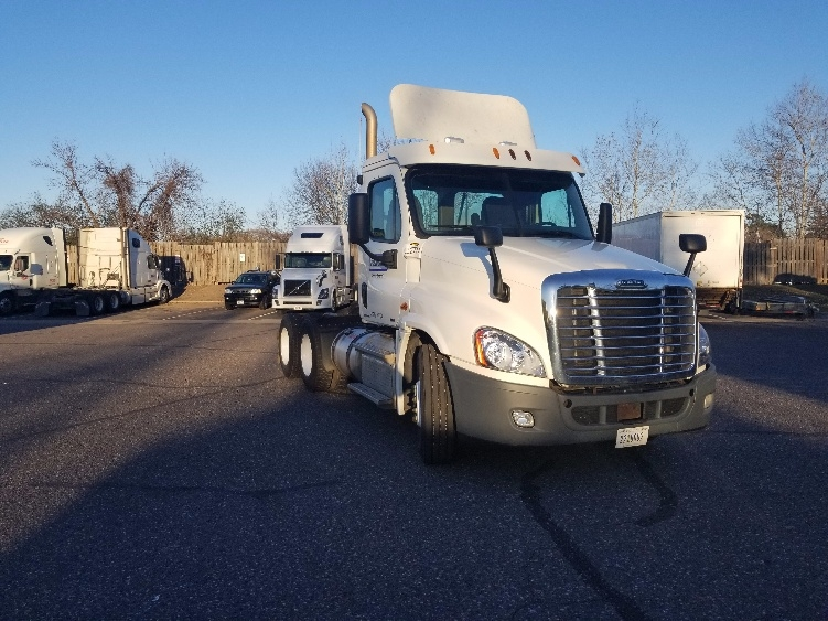 Day Cab Tractor-Heavy Duty Tractors-Freightliner-2012-Cascadia 12564ST-ROSEVILLE-MN-385,586 miles-$37,000