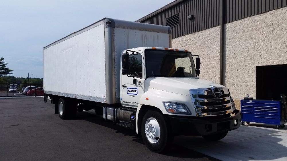 Medium Duty Box Truck-Light and Medium Duty Trucks-Hino-2012-338-FRANKLIN-MA-208,482 miles-$26,750