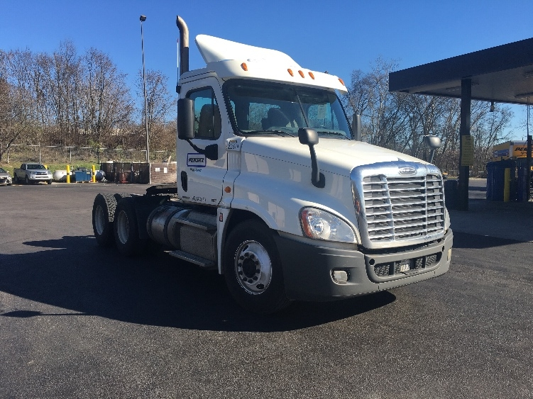 Day Cab Tractor-Heavy Duty Tractors-Freightliner-2012-Cascadia 12564ST-KNOXVILLE-TN-461,714 miles-$35,000