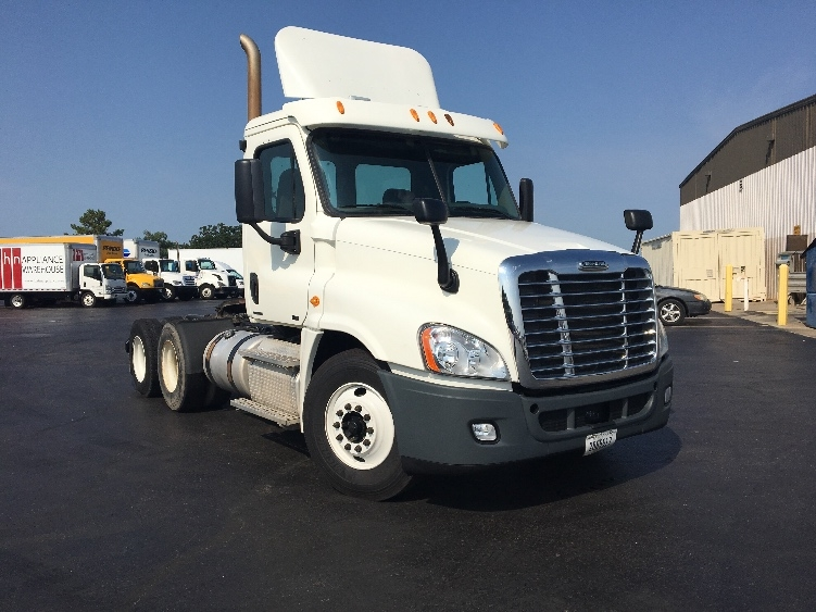 Day Cab Tractor-Heavy Duty Tractors-Freightliner-2012-Cascadia 12564ST-TULSA-OK-425,558 miles-$36,500