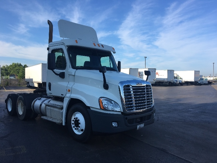 Day Cab Tractor-Heavy Duty Tractors-Freightliner-2012-Cascadia 12564ST-TULSA-OK-367,425 miles-$35,500