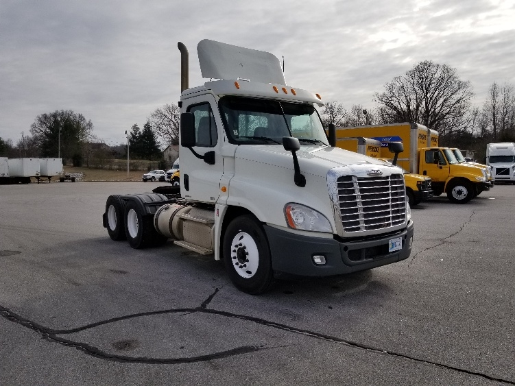 Day Cab Tractor-Heavy Duty Tractors-Freightliner-2012-Cascadia 12564ST-COOKEVILLE-TN-252,940 miles-$33,500