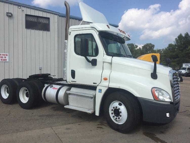 Day Cab Tractor-Heavy Duty Tractors-Freightliner-2012-Cascadia 12564ST-BELDEN-MS-233,590 miles-$53,500
