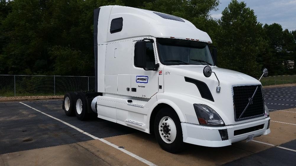 Sleeper Tractor-Heavy Duty Tractors-Volvo-2012-VNL64T670-KANSAS CITY-MO-447,199 miles-$39,000
