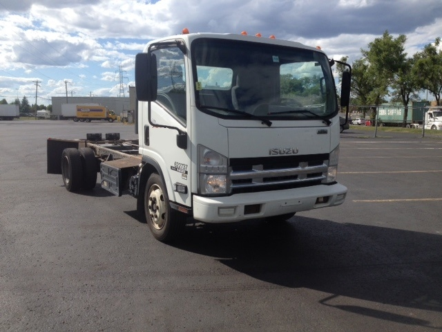 Cab and Chassis Truck-Light and Medium Duty Trucks-Isuzu-2011-NRR-BOUCHERVILLE-PQ-288,835 km-$18,000