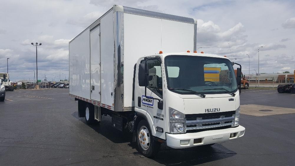 Medium Duty Box Truck-Light and Medium Duty Trucks-Isuzu-2011-NQR-OTTAWA-ON-187,727 km-$12,000