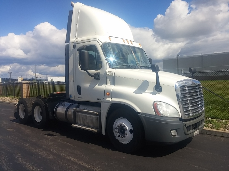 Day Cab Tractor-Heavy Duty Tractors-Freightliner-2012-Cascadia 12564ST-STE-FOY-PQ-661,835 km-$49,750