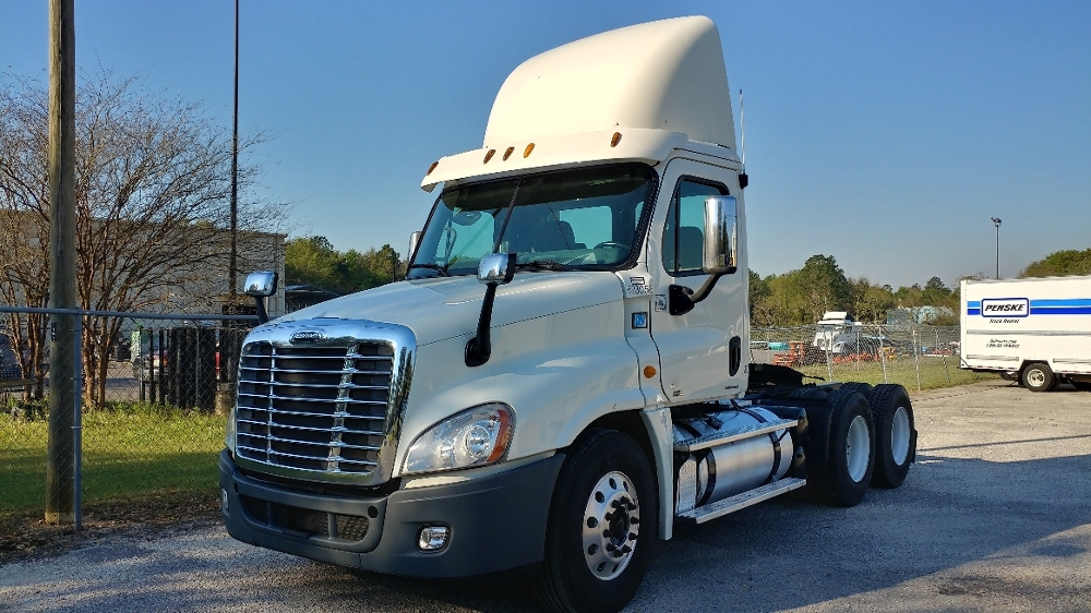 Day Cab Tractor-Heavy Duty Tractors-Freightliner-2012-Cascadia 12564ST-LOXLEY-AL-699,847 miles-$26,750