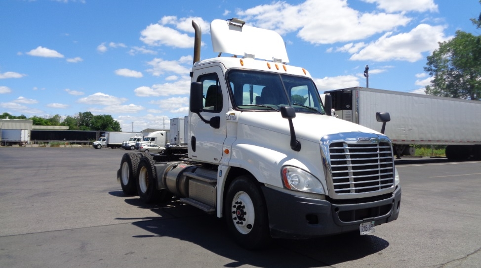 Day Cab Tractor-Heavy Duty Tractors-Freightliner-2012-Cascadia 12564ST-LONDON-ON-945,891 km-$41,250