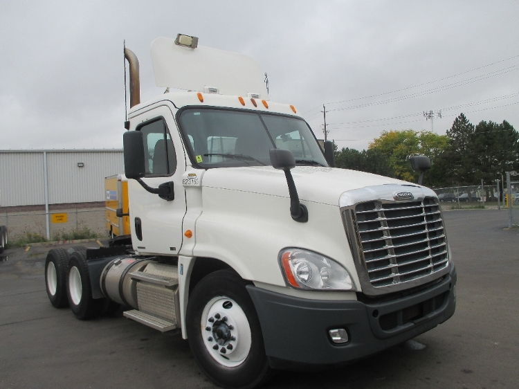 Day Cab Tractor-Heavy Duty Tractors-Freightliner-2012-Cascadia 12564ST-BURLINGTON-ON-1,025,091 km-$37,000