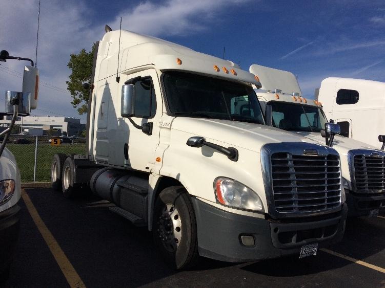 Sleeper Tractor-Heavy Duty Tractors-Freightliner-2012-Cascadia 12564ST-SAINT LAURENT-PQ-972,806 km-$35,250
