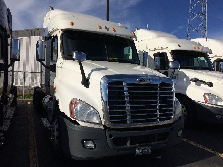 Sleeper Tractor-Heavy Duty Tractors-Freightliner-2012-Cascadia 12564ST-SAINT LAURENT-PQ-1,001,794 km-$35,500