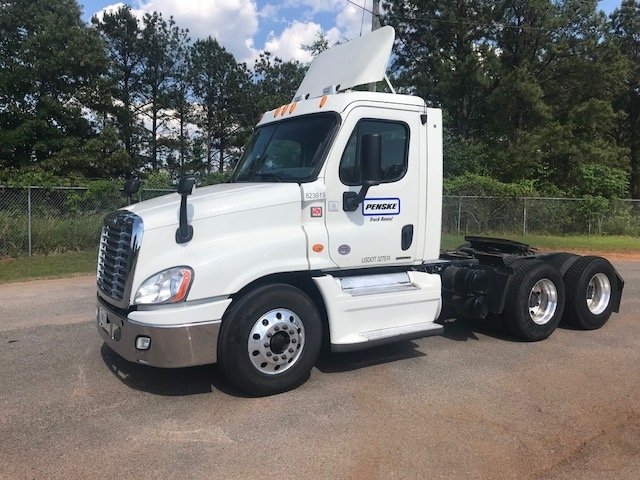 Day Cab Tractor-Heavy Duty Tractors-Freightliner-2012-Cascadia 12564ST-ALABASTER-AL-341,378 miles-$46,000