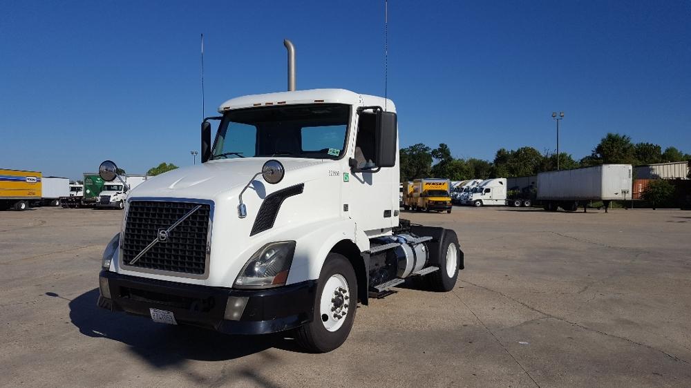Day Cab Tractor-Heavy Duty Tractors-Volvo-2012-VNL42300-BATON ROUGE-LA-311,819 miles-$35,750