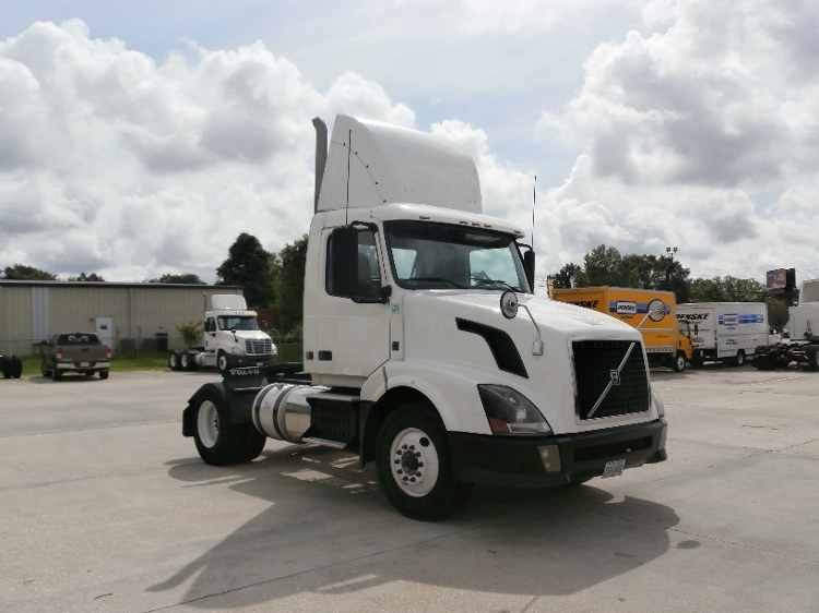 Day Cab Tractor-Heavy Duty Tractors-Volvo-2012-VNL42300-BATON ROUGE-LA-272,772 miles-$36,250