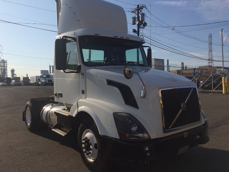 Day Cab Tractor-Heavy Duty Tractors-Volvo-2012-VNL42300-LINDEN-NJ-153,591 miles-$36,500