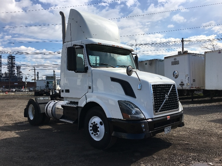 Day Cab Tractor-Heavy Duty Tractors-Volvo-2012-VNL42300-WILKES BARRE-PA-196,529 miles-$36,000