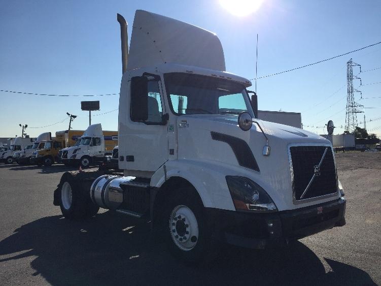 Day Cab Tractor-Heavy Duty Tractors-Volvo-2012-VNL42300-LINDEN-NJ-196,309 miles-$35,250