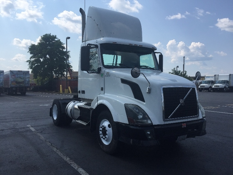 Day Cab Tractor-Heavy Duty Tractors-Volvo-2012-VNL42300-SOUTH PLAINFIELD-NJ-295,297 miles-$24,250