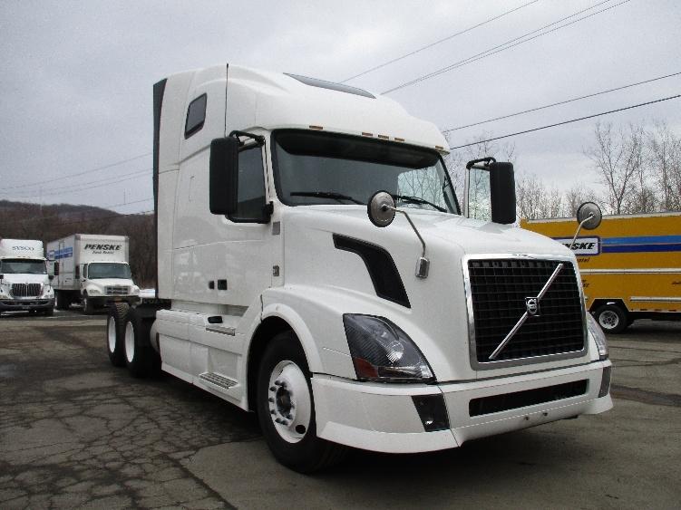 Sleeper Tractor-Heavy Duty Tractors-Volvo-2012-VNL64T670-ELMIRA-NY-484,122 miles-$33,750