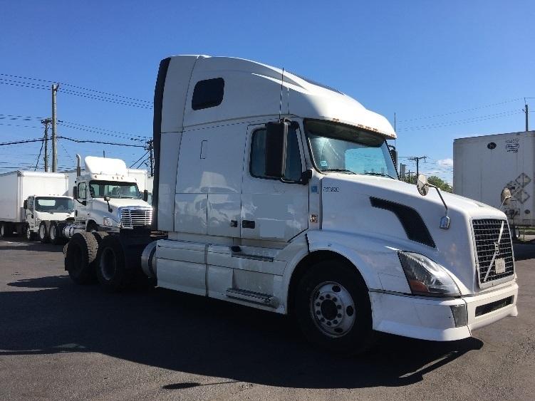 Sleeper Tractor-Heavy Duty Tractors-Volvo-2012-VNL64T670-SOUTH KEARNY-NJ-387,721 miles-$49,500