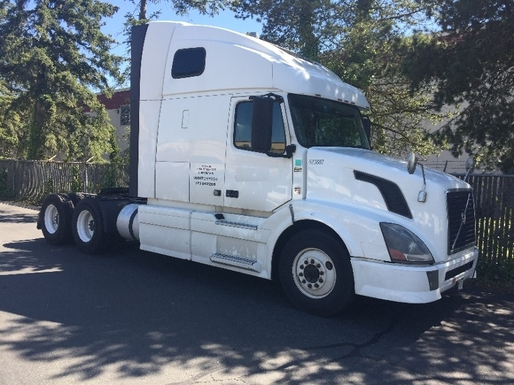 Sleeper Tractor-Heavy Duty Tractors-Volvo-2012-VNL64T670-KENT-WA-470,640 miles-$35,500