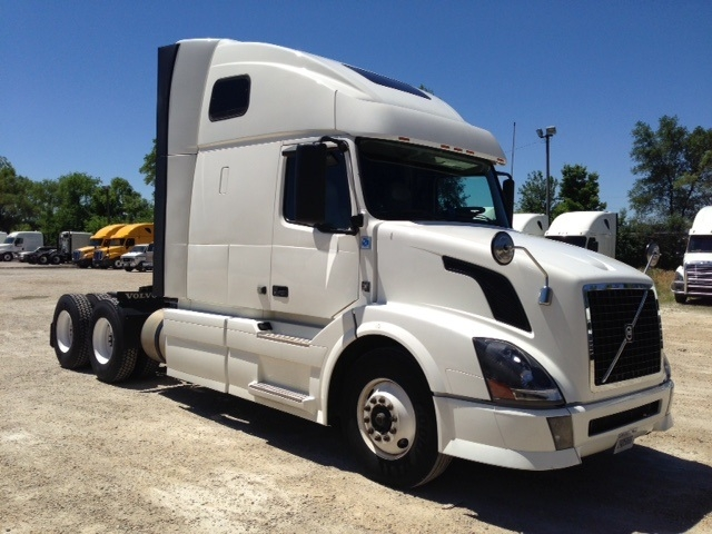 Sleeper Tractor-Heavy Duty Tractors-Volvo-2012-VNL64T670-CHANNAHON-IL-553,186 miles-$34,500