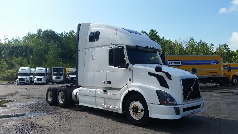Sleeper Tractor-Heavy Duty Tractors-Volvo-2012-VNL64T670-BINGHAMTON-NY-463,554 miles-$34,250