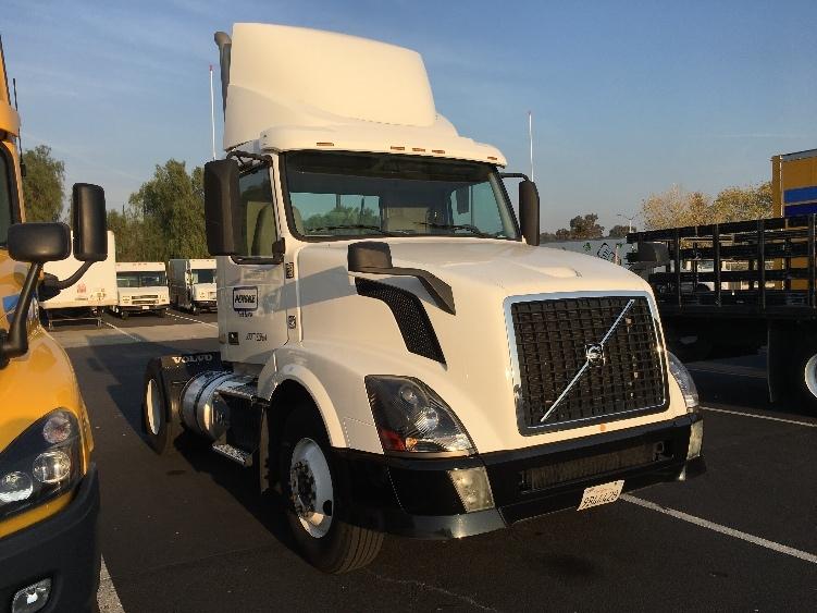 Day Cab Tractor-Heavy Duty Tractors-Volvo-2012-VNL42300-WEST SACRAMENTO-CA-121,200 miles-$42,750