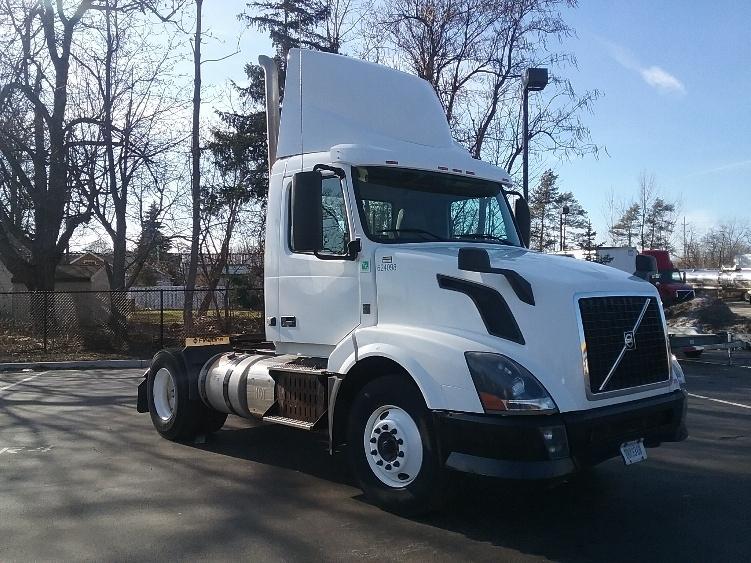 Day Cab Tractor-Heavy Duty Tractors-Volvo-2012-VNL42300-BUFFALO-NY-139,970 miles-$32,250