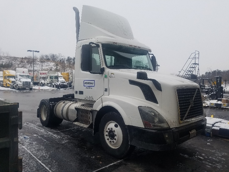 Day Cab Tractor-Heavy Duty Tractors-Volvo-2012-VNL42300-BALTIMORE-MD-213,984 miles-$29,500