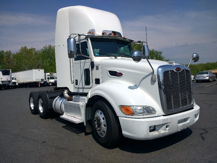 Day Cab Tractor-Heavy Duty Tractors-Peterbilt-2012-386-EAST WINDSOR-CT-381,876 miles-$45,750