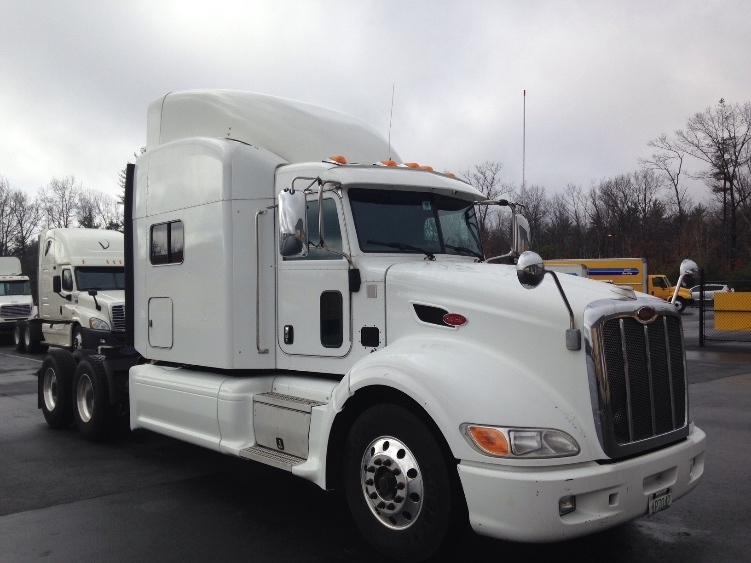 Sleeper Tractor-Heavy Duty Tractors-Peterbilt-2012-386-LONDONDERRY-NH-357,519 miles-$57,750