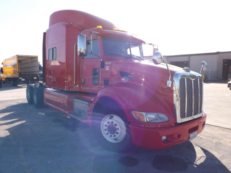 Sleeper Tractor-Heavy Duty Tractors-Peterbilt-2012-386-HOUSTON-TX-257,799 miles-$61,000
